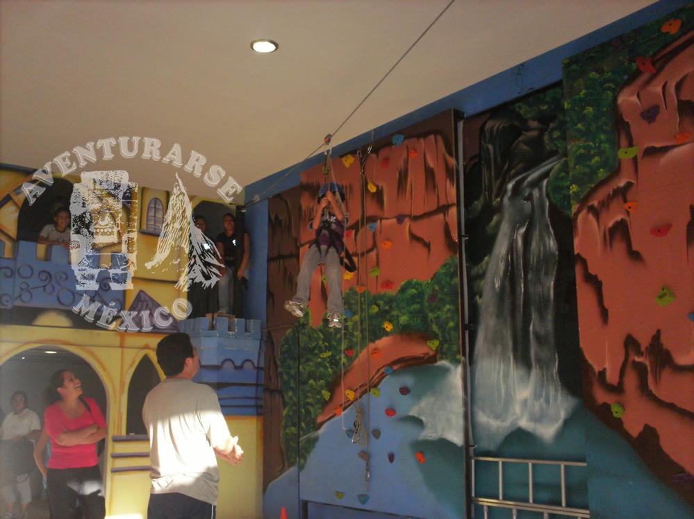 tirolesa en centro comercial